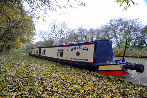 A peaceful mooring close to Winwick Manor