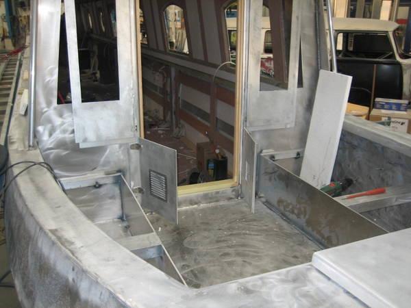 Building An Aluminium Narrowboat Part 3 Living On A