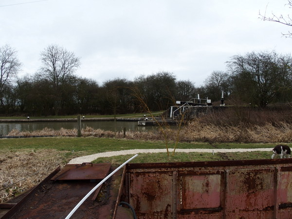Dump barge starboard view