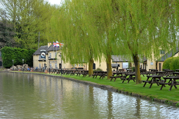 The Blue Lias at Stockton. Surely one of the prettiest canal side pubs on the network?