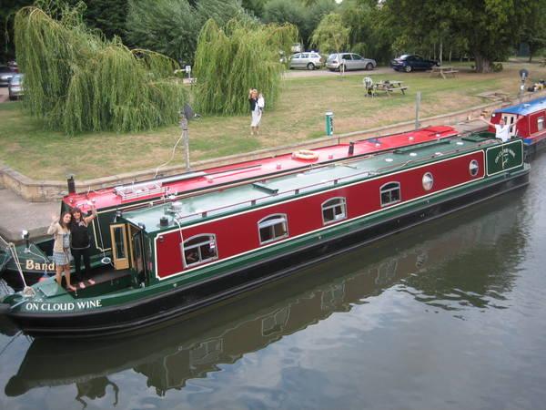 191 (12082011) Crew at Stratford