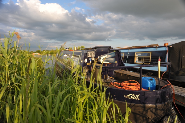 Narrowboat with cruiser stern