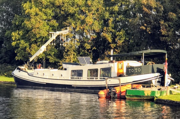 Keverhaven Island Caretaker's Floating Home