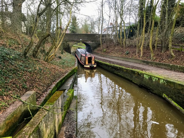 Abandoning Orient mid canal. This was the closet place to stop to close the lock gates behind me.