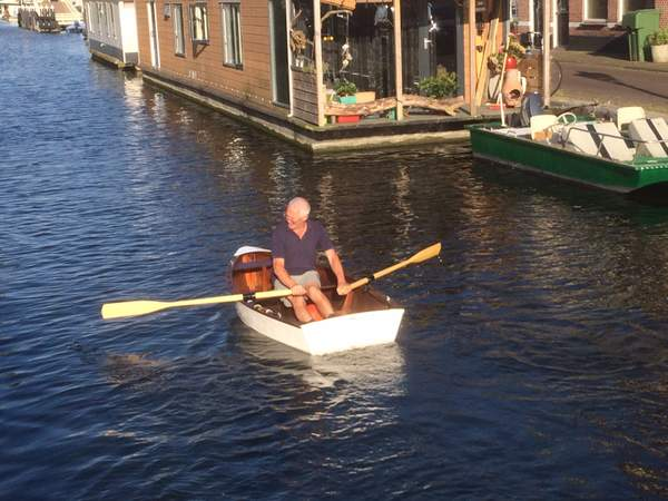 The most unnatural rowing style in the world?