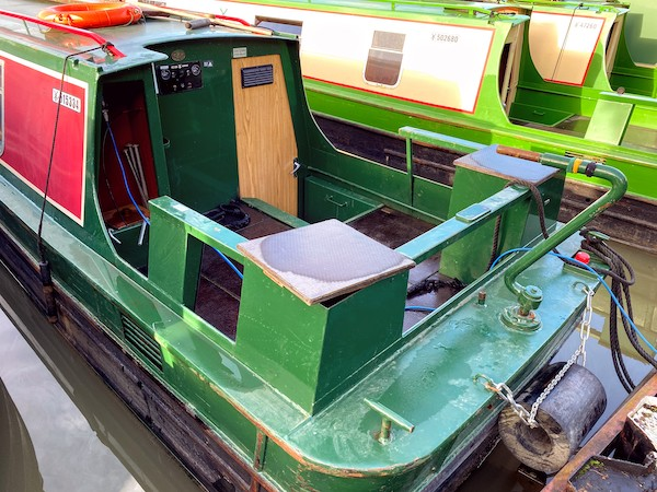 Narrowboat stern types - Cruiser stern