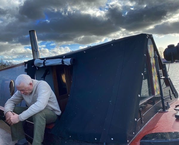 An unhappy narrowboat owner