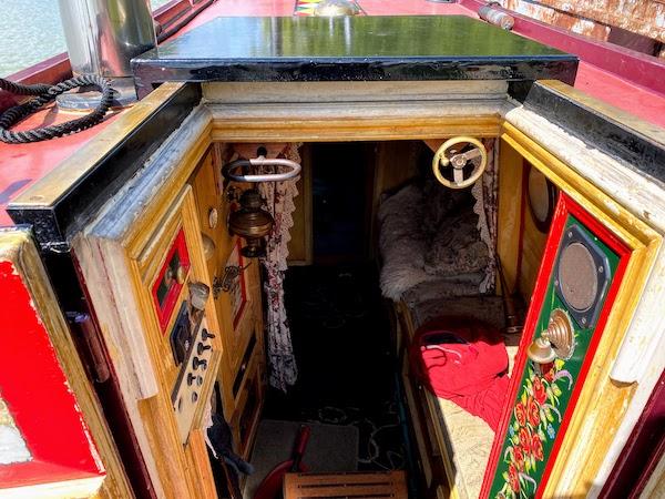 Traditional narrowboat controls