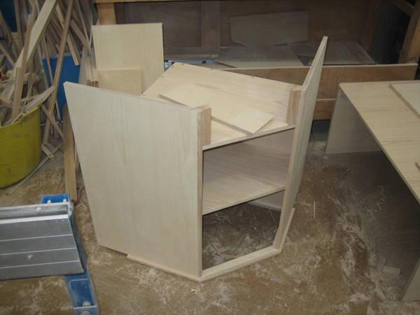 Lounge corner cabinet