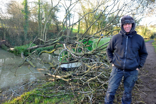 The danger of mooring under canalside trees on windy days