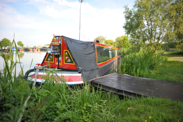 Calcutt Boats Locks Marina